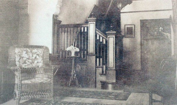 old-front-hall-pic.jpg