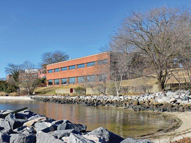 002-Watermen's-Hall-River-Front.jpg