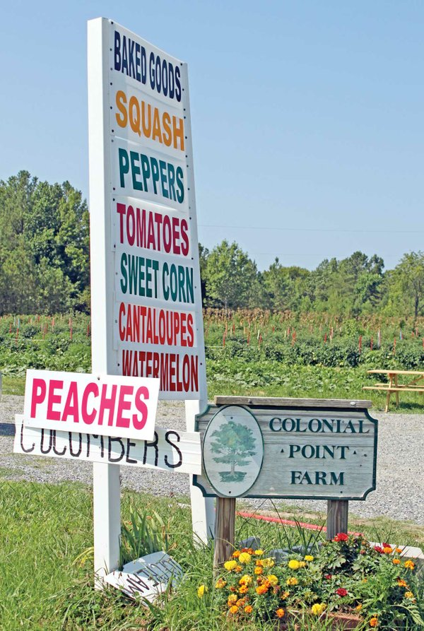 Colonial-Point-Farm-sign-1.jpg