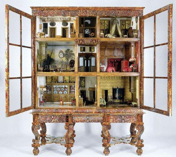 002-Petronella-Oortman-Baby-Cabinet.jpg
