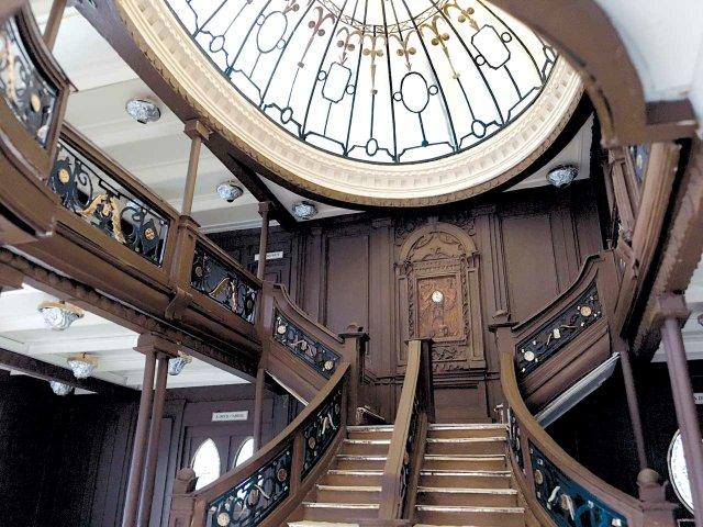 017-Hubert-Lengdorfer-Titanic-Grand-Staircase.jpg