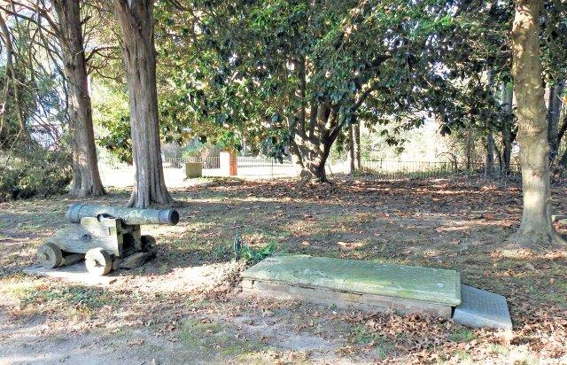 BUtler-Grave-in-Kinsale_edited-1.jpg