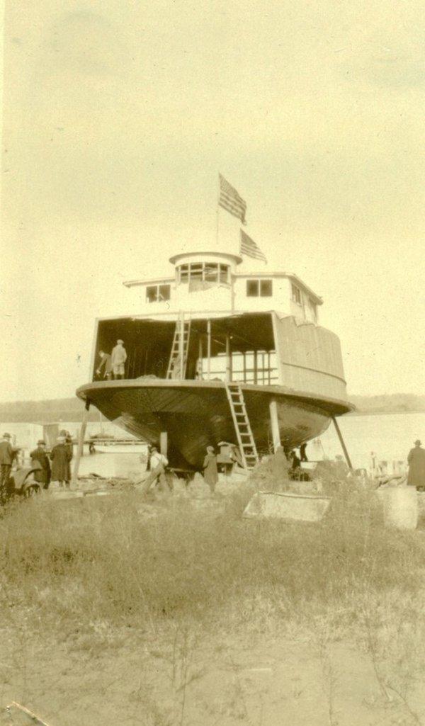 Fer 16  first Jamestown ferry.jpeg
